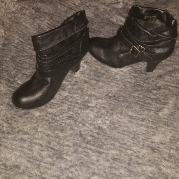 fb2e05b728f Madden Girl Shoes - Black High Heeled Boots Size 7